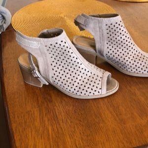 Girls chunky heel sandals size 3